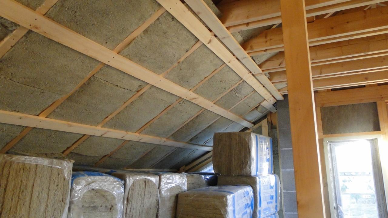 дървени греди таван