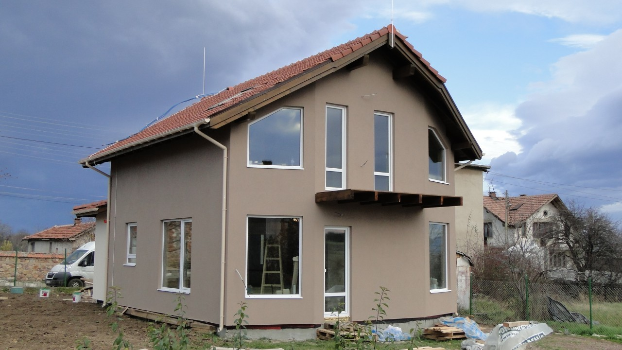 къща нови хан